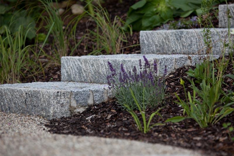 Team Grün unterstützt Sie bei der richtigen Materialwahl im Garten