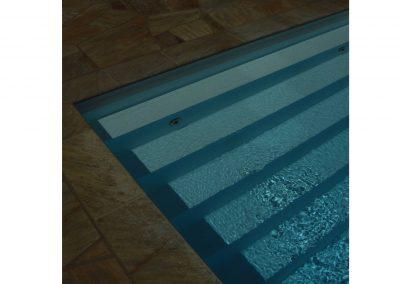 Treppenstufen-im-Schwimmbad