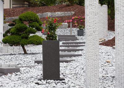 Hanggarten aus Steinen