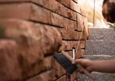 Steinmauer Bei Der Fertigstellung Durch Team Grün