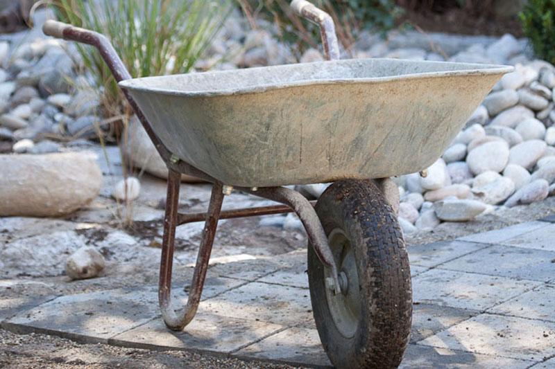 Nutzen sie jetzt die zeit um ihre gartenger te zu pflegen for Gartenpool pflege