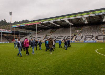 Rasenbesichtigung im SC Freiburg Stadion