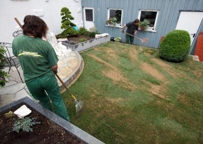 Den Rasen können Sie nun das erste mal pflegen