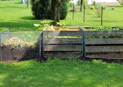 Kompostbehälter Im Garten