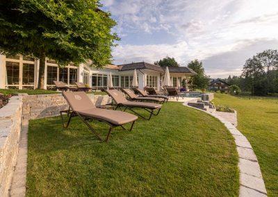 Stilvolle Gartengestaltung für Wellness Hotel