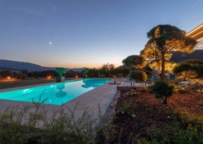 Pool Im Traumhaften Garten