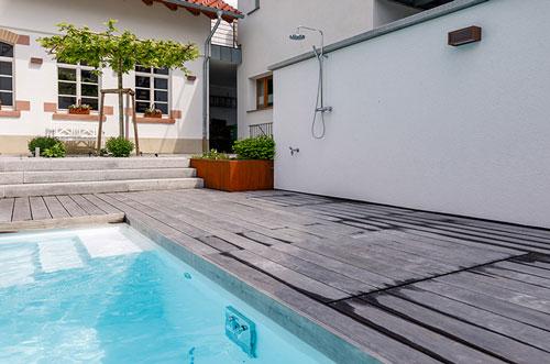 Ausendusche-Fuer-Pool