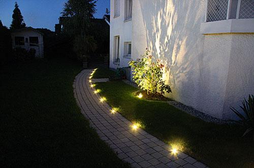Beleuchtung-Fuer-Garten-Planen