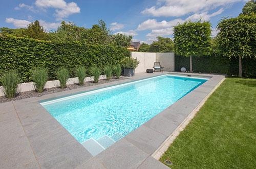 Eigener-Pool-Im-Garten