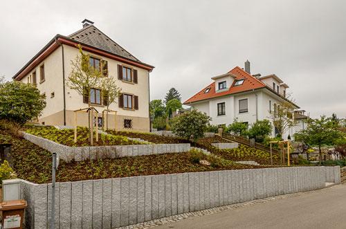 Stelen-Im-Garten-Bauen-Planen