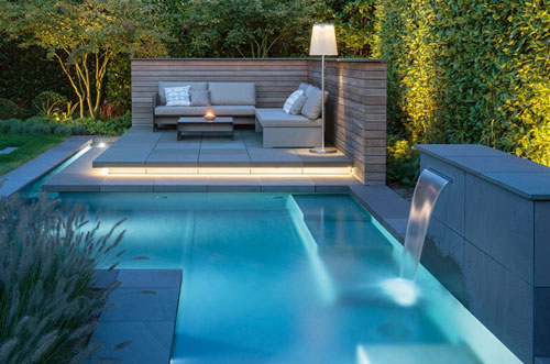 Swimmingpool-Im-Eigenen-Garten